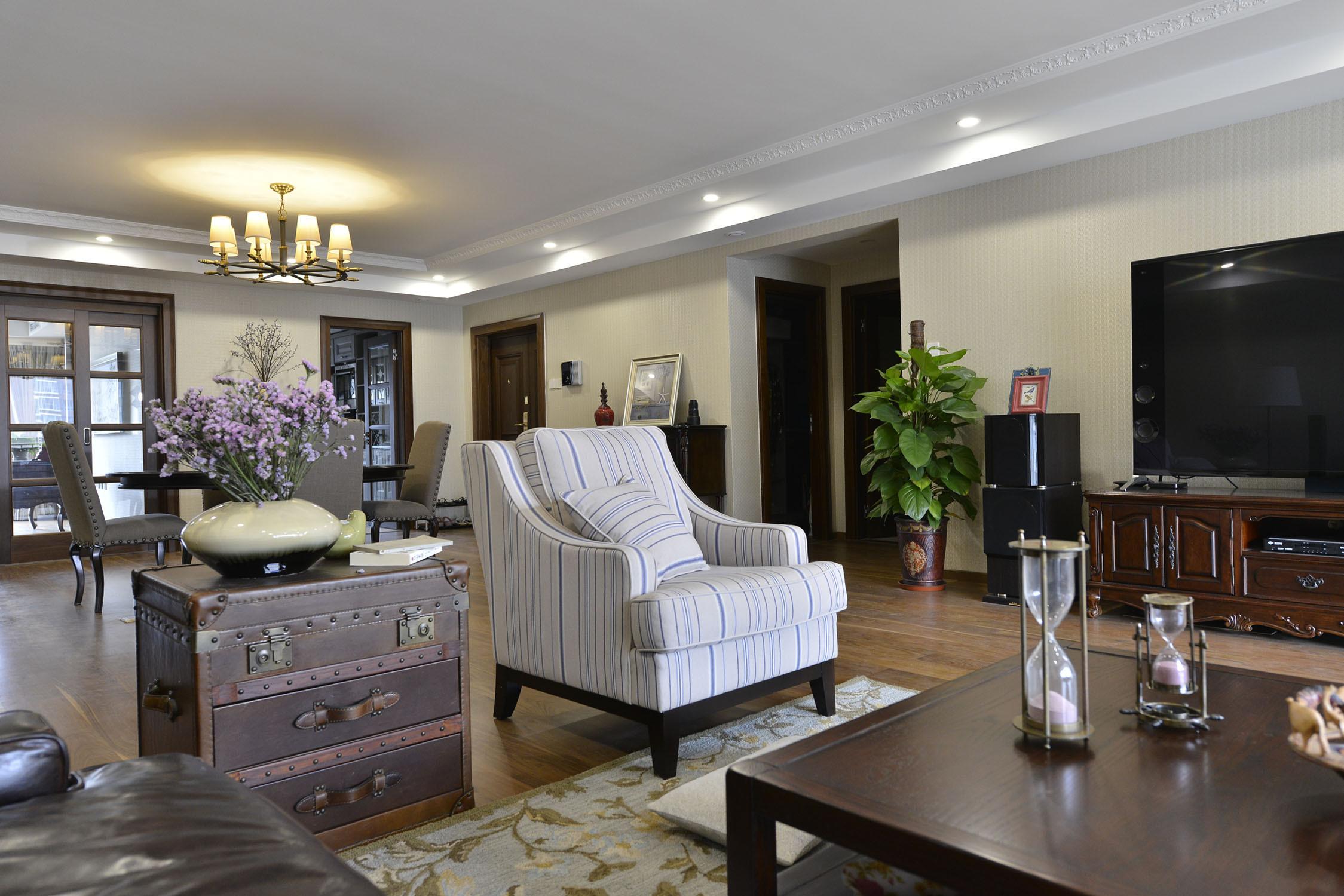 大户型美式四居室装修单人沙发图片