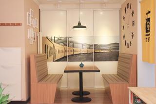 小户型简约装修餐厅设计图