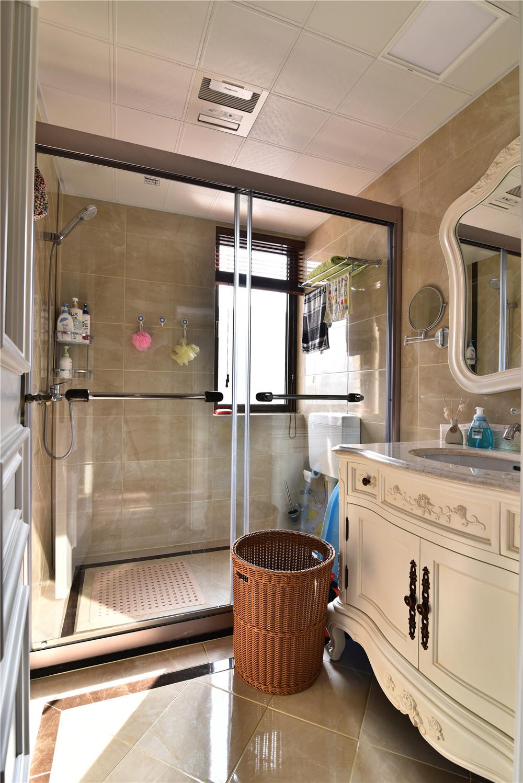 新古典风格三居室装修卫生间实景图