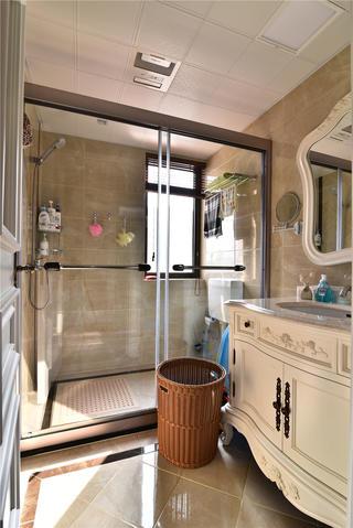 新古典風格三居室裝修衛生間實景圖