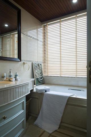 175平法式新古典装修卫生间设计图