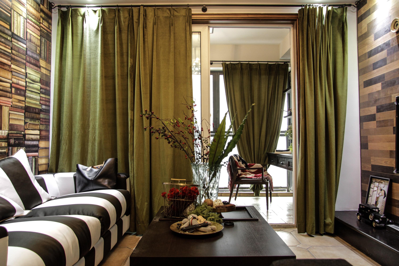 70平二居装修窗帘图片