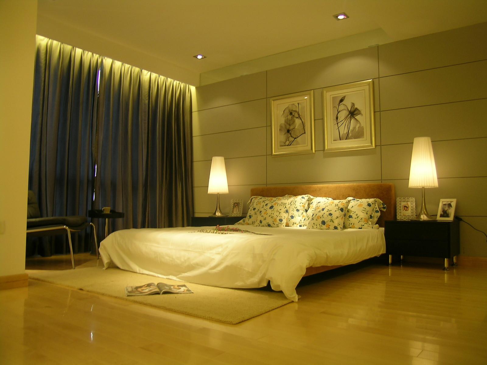 简约二居设计卧室背景墙图片