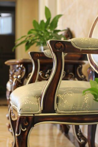 80平简约欧式装修沙发椅特写