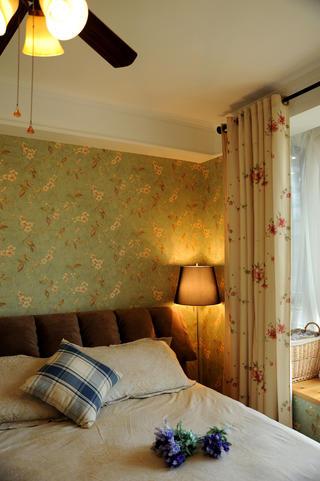 小户型简美之家卧室布置图