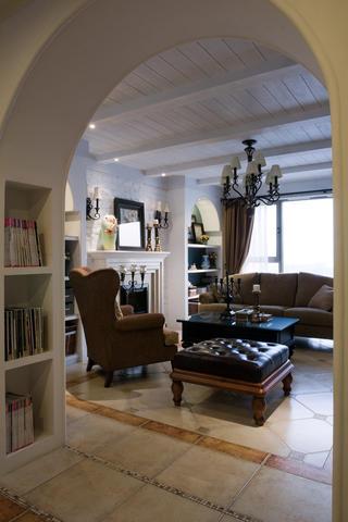 新古典美式混搭三居装修客厅吊顶