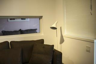 70㎡现代简约二居装修客厅一角
