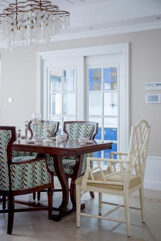 大户型美式装修餐桌椅图片