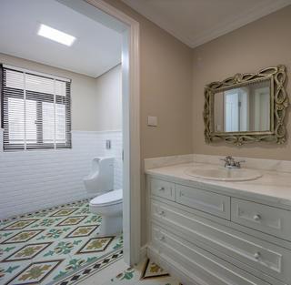 大户型美式装修浴室柜图片