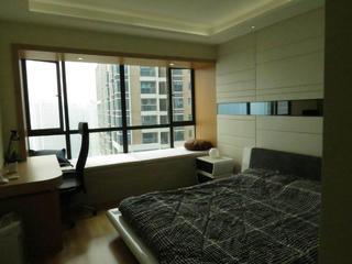 现代简约复式装修卧室布置图