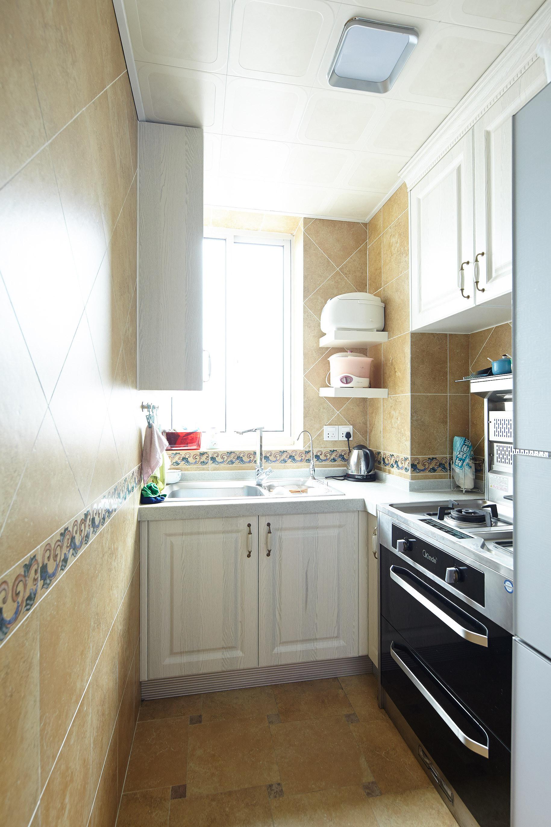 小户型简欧装修厨房搭配图