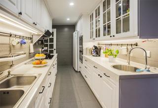 175平美式风格装修厨房布局图