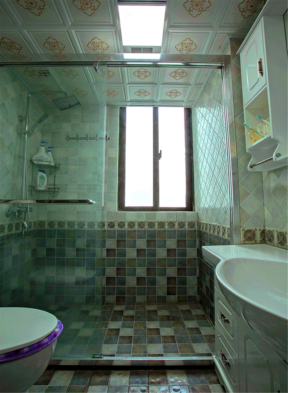 二居室简欧风格家卫生间装潢图