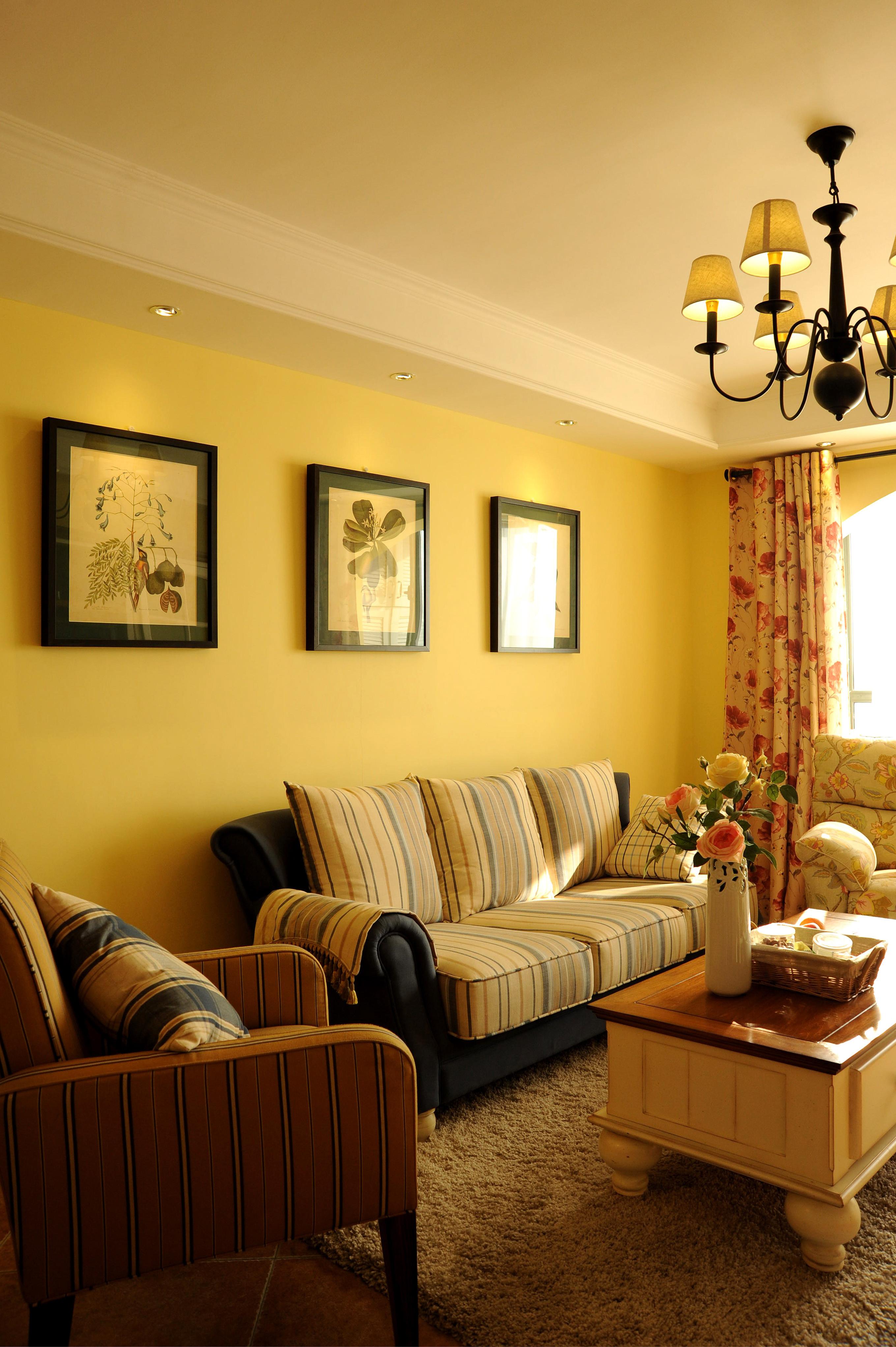 小户型简美之家沙发背景墙图片