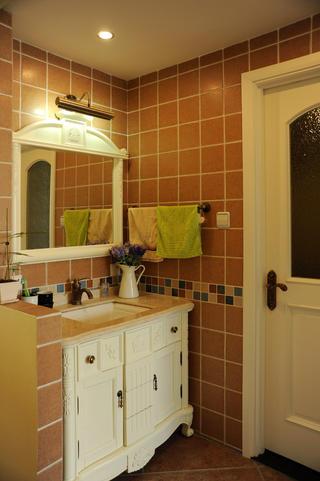 小户型简美之家浴室柜图片