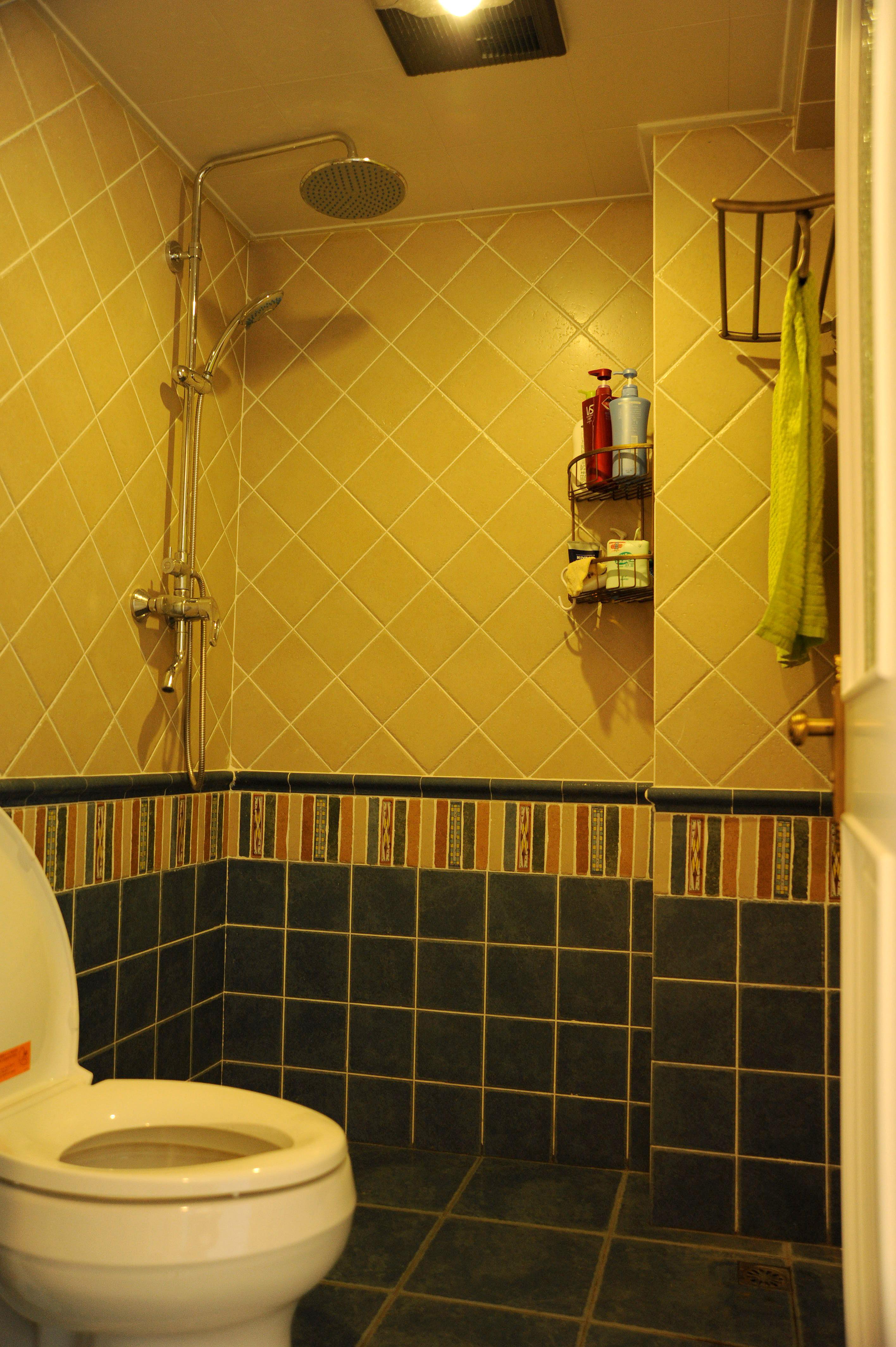 小户型简美之家卫生间实景图