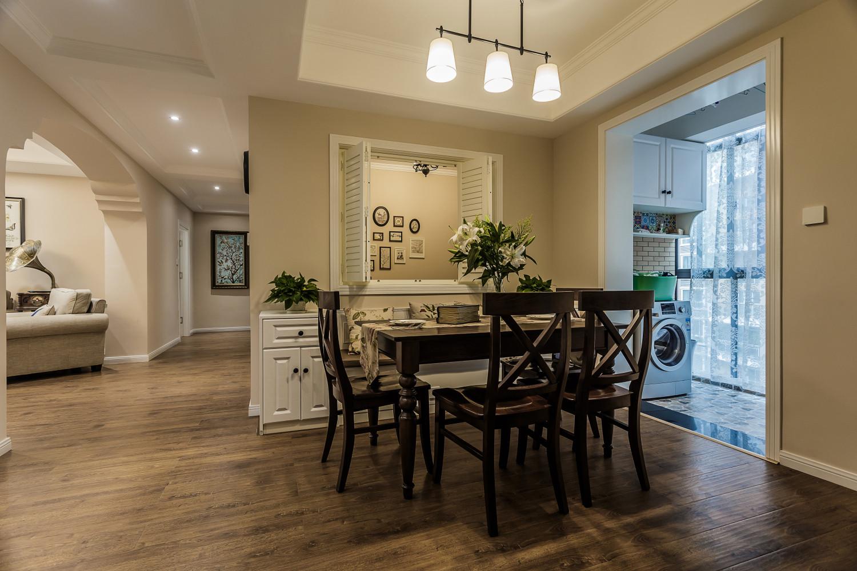 美式风三居之家餐桌图片