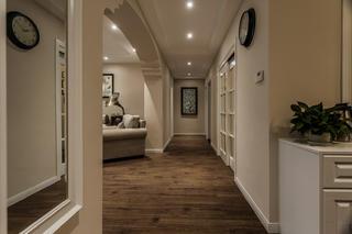 美式风三居之家走廊图片