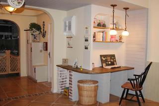 100平地中海两居室装修吧台设计