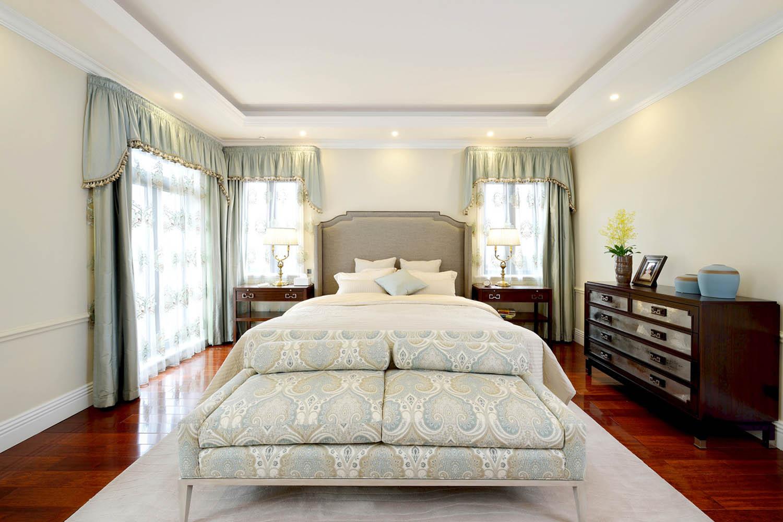 中西混搭别墅设计卧室背景墙图片