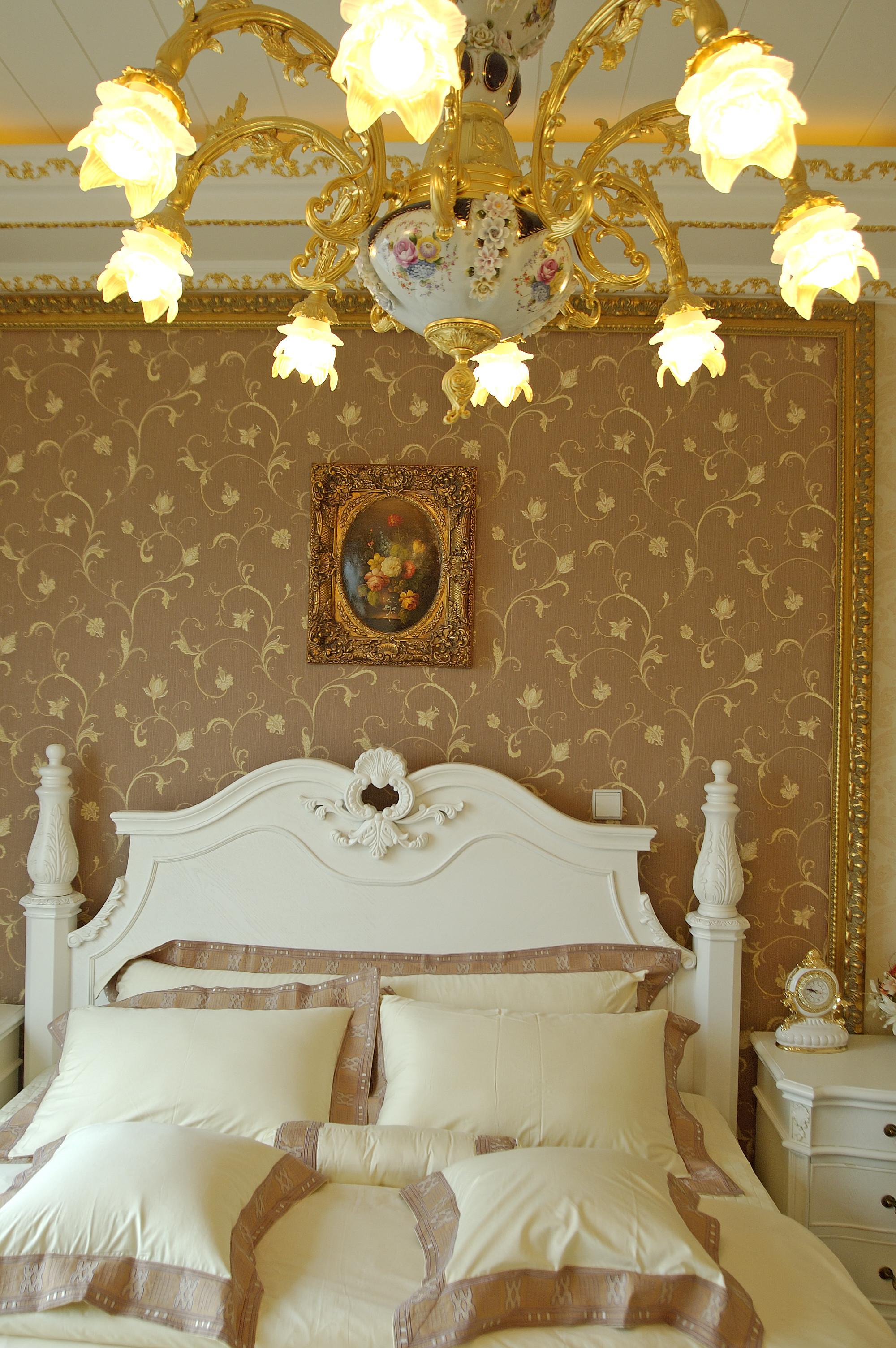欧式奢华风格别墅装修卧室背景墙图片