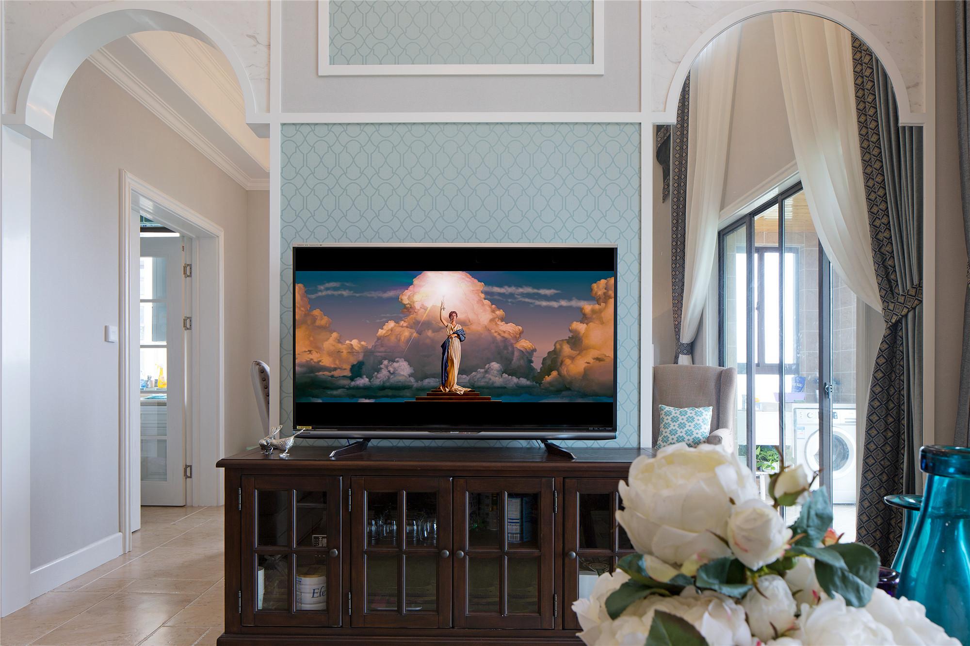 简美复式装修设计电视背景墙图片