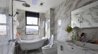 140平新古典三居装修卫生间布局图
