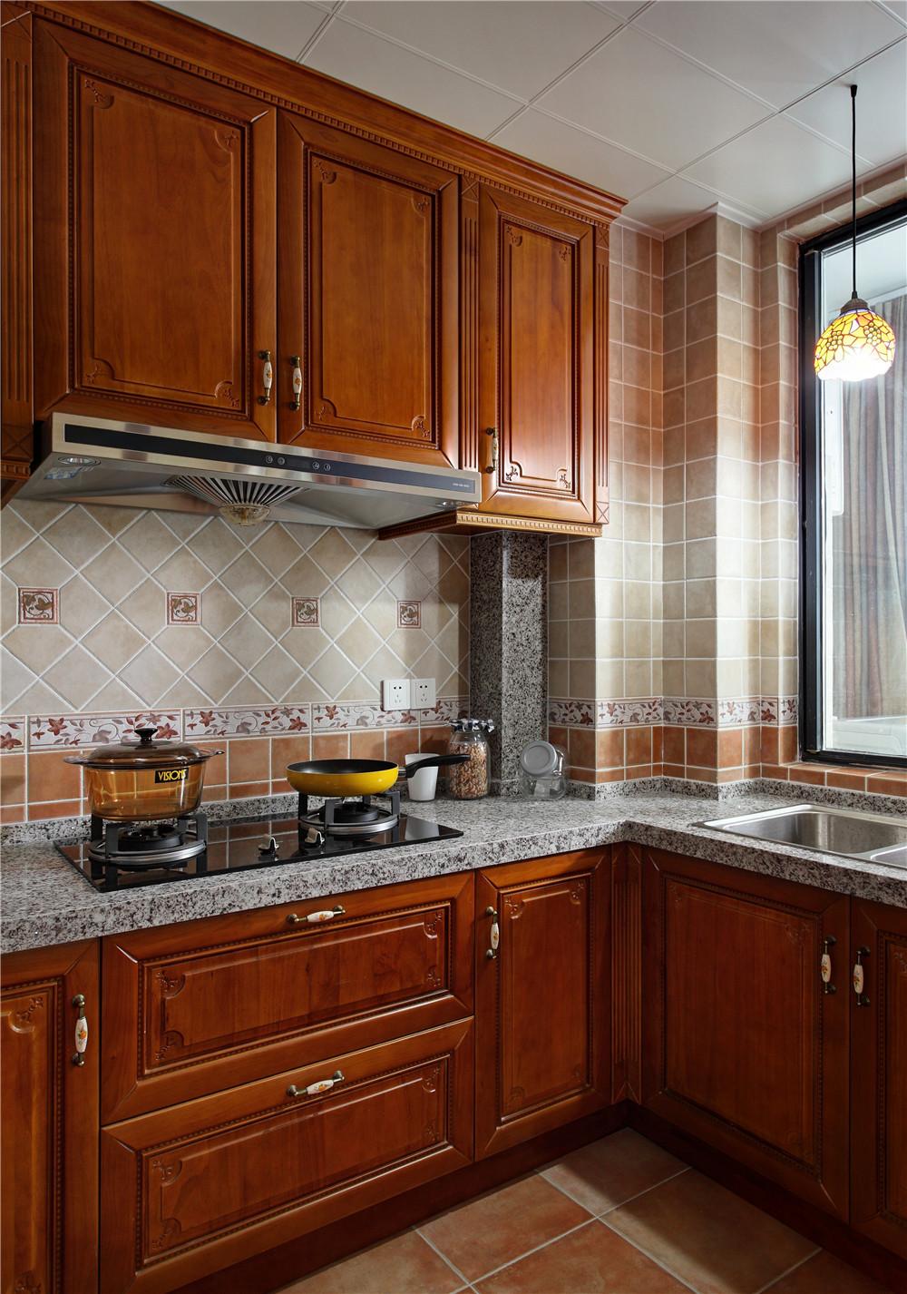 160平美式公寓装修厨房搭配图