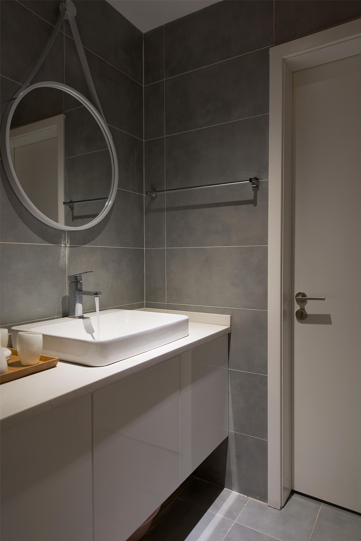 简约风格二居之家卫生间设计图