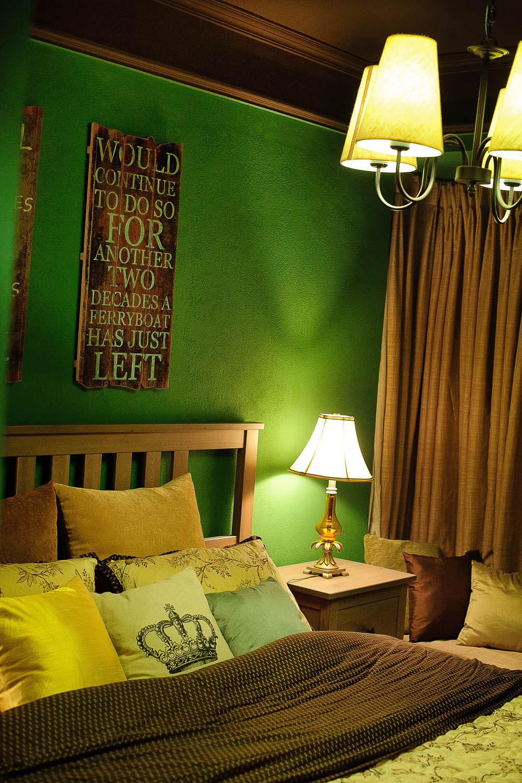 英式复古两居装修床头背景墙图片