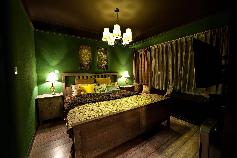 英式复古两居装修卧室设计图