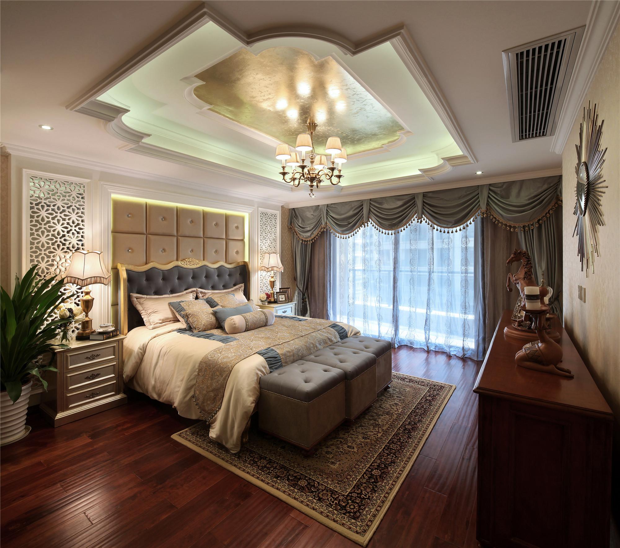 美式混搭装修卧室顶面造型图