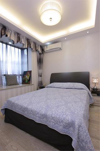 现代简约二居卧室布置图