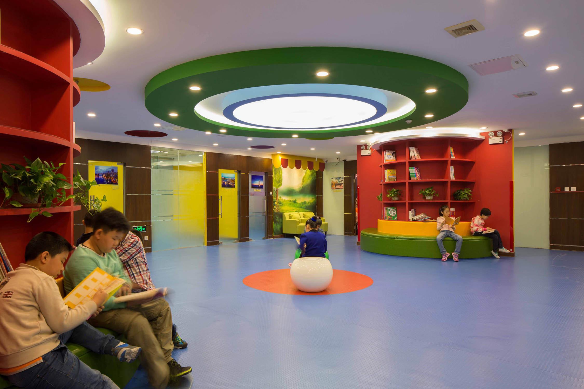 现代多元化幼儿园装修吊顶设计