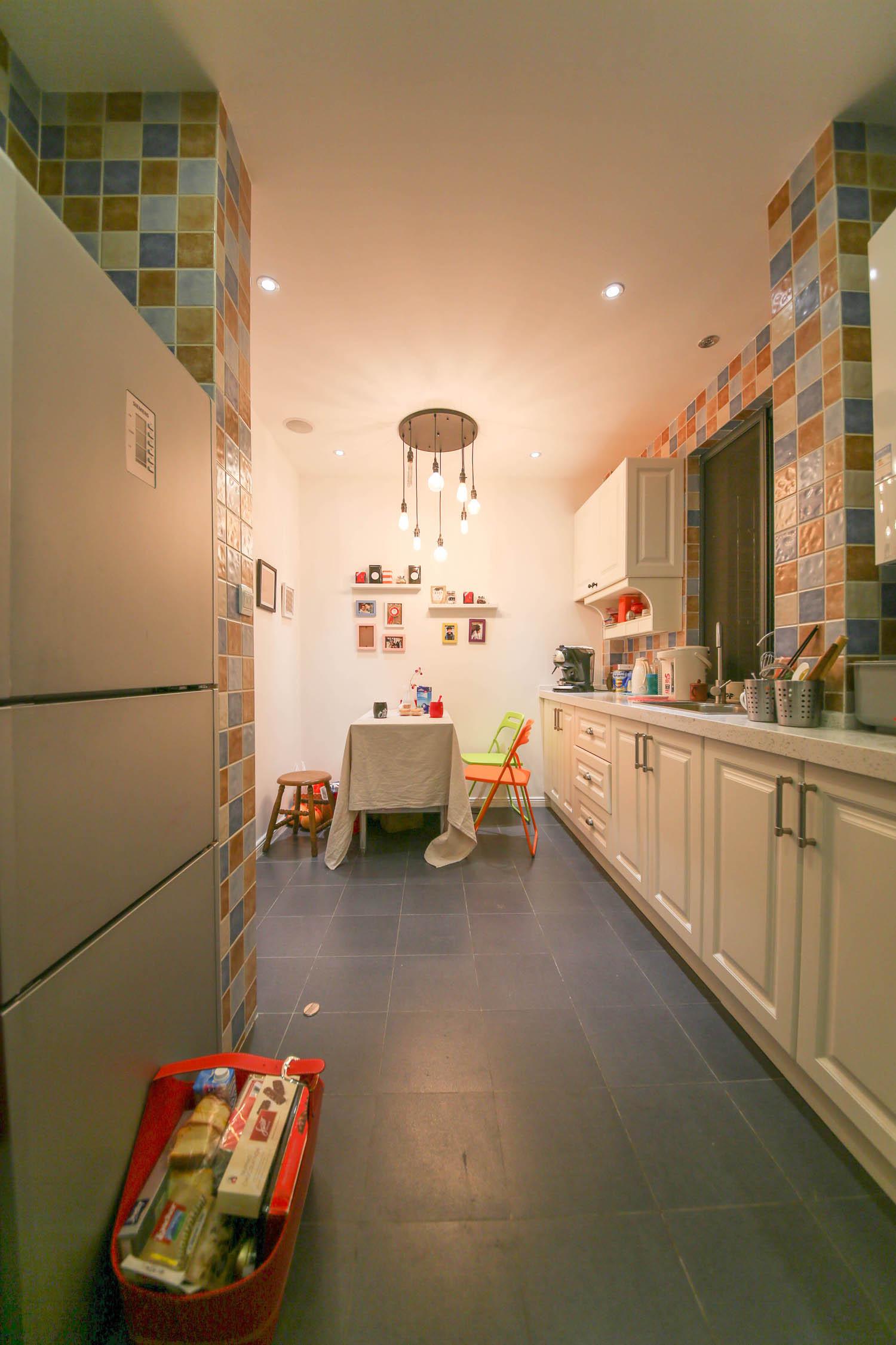 140平欧美范装修厨房布局图