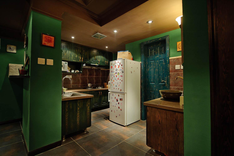 英式复古两居装修厨房搭配图