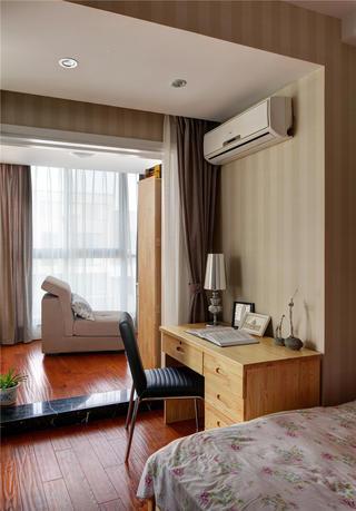 80平简约风格二居装修卧室工作区