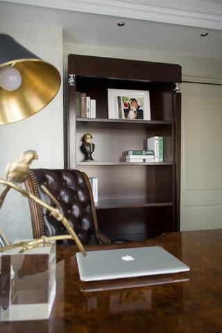 175平法式新古典装修书房布置图
