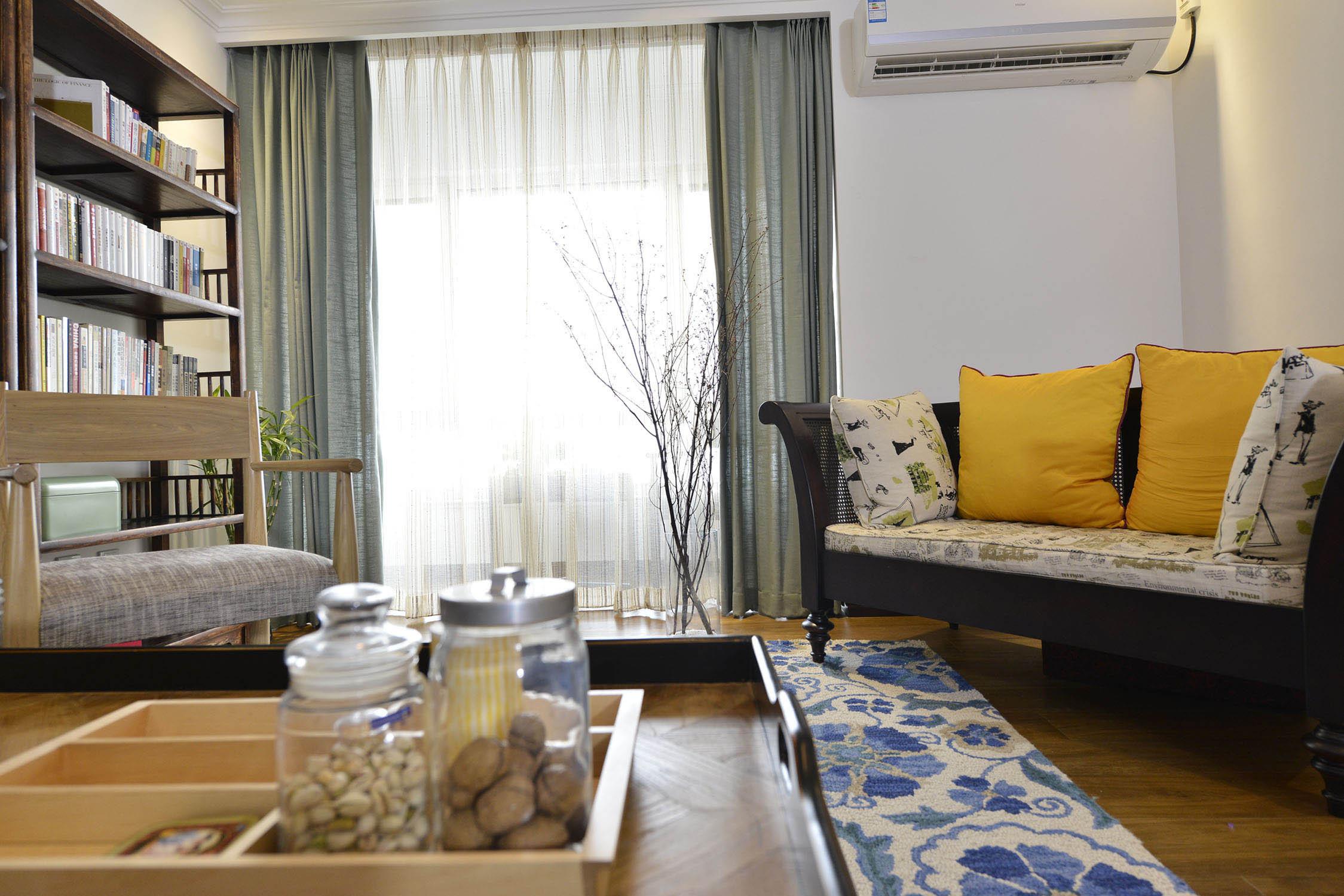 120平混搭风设计沙发抱枕图片