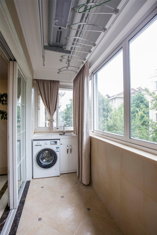 150平美式风格家阳台实景图