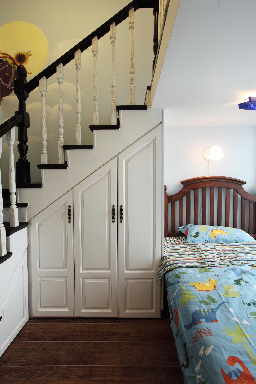 120平美式混搭装修楼梯柜设计
