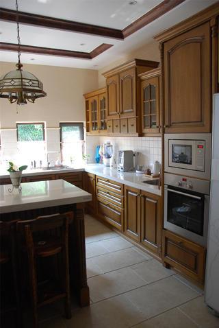 150平美式风格装修厨房布局图