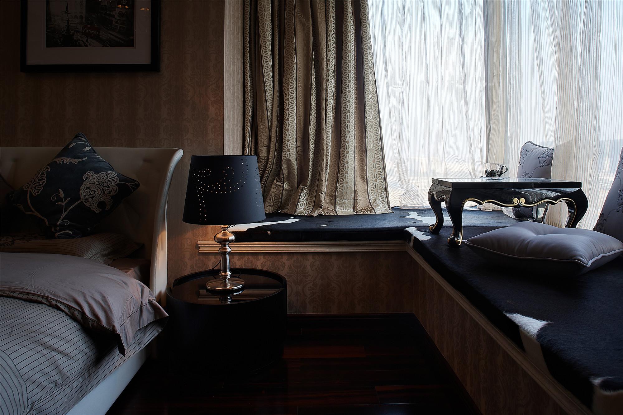 新古典跃层别墅装修飘窗设计
