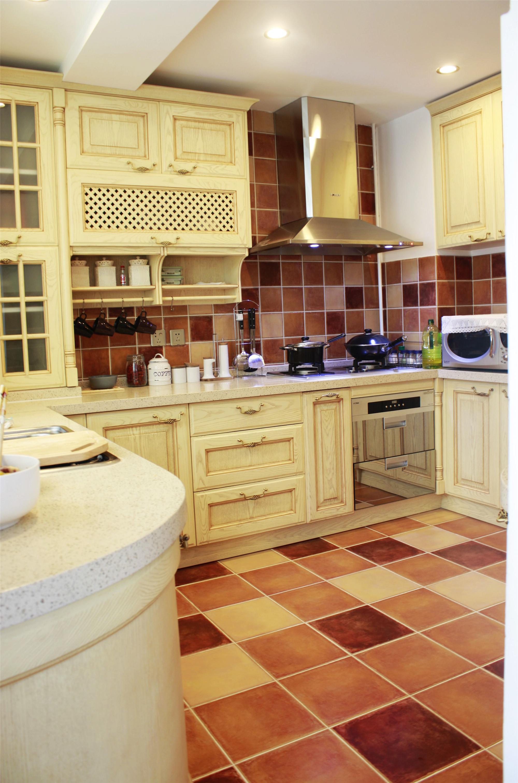 140平托斯卡纳风格家厨房搭配图