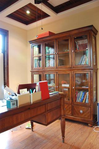 150平美式风格装修书房设计图