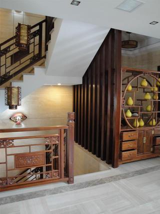 古典中式别墅装修博古架设计