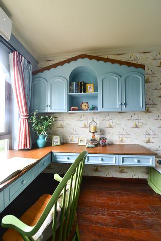 法式乡村风格家书桌图片