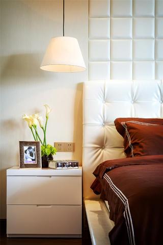 现代样板房设计床头柜图片