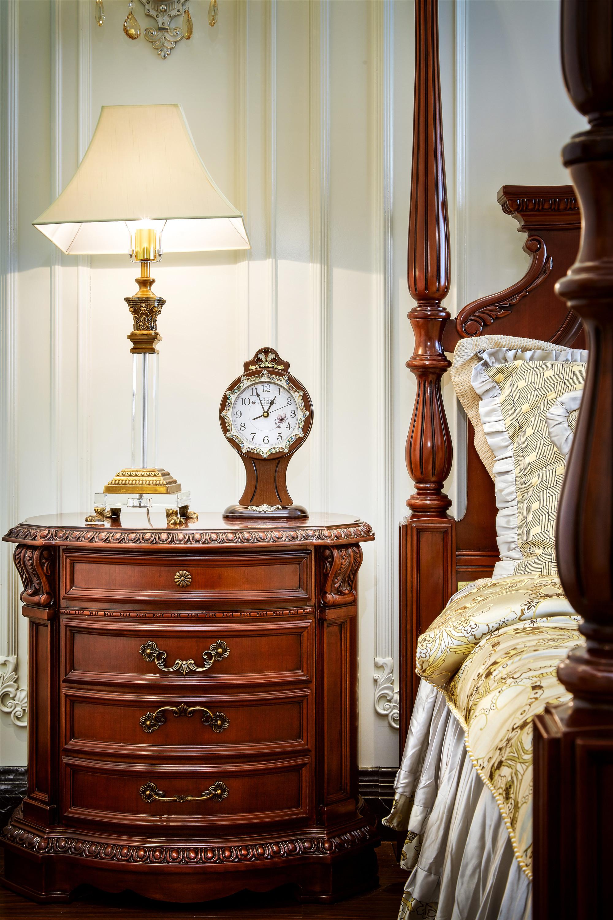 欧式样板房装修床头柜图片