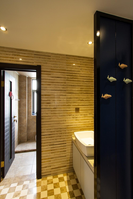 二居室混搭风格家卫生间装潢图